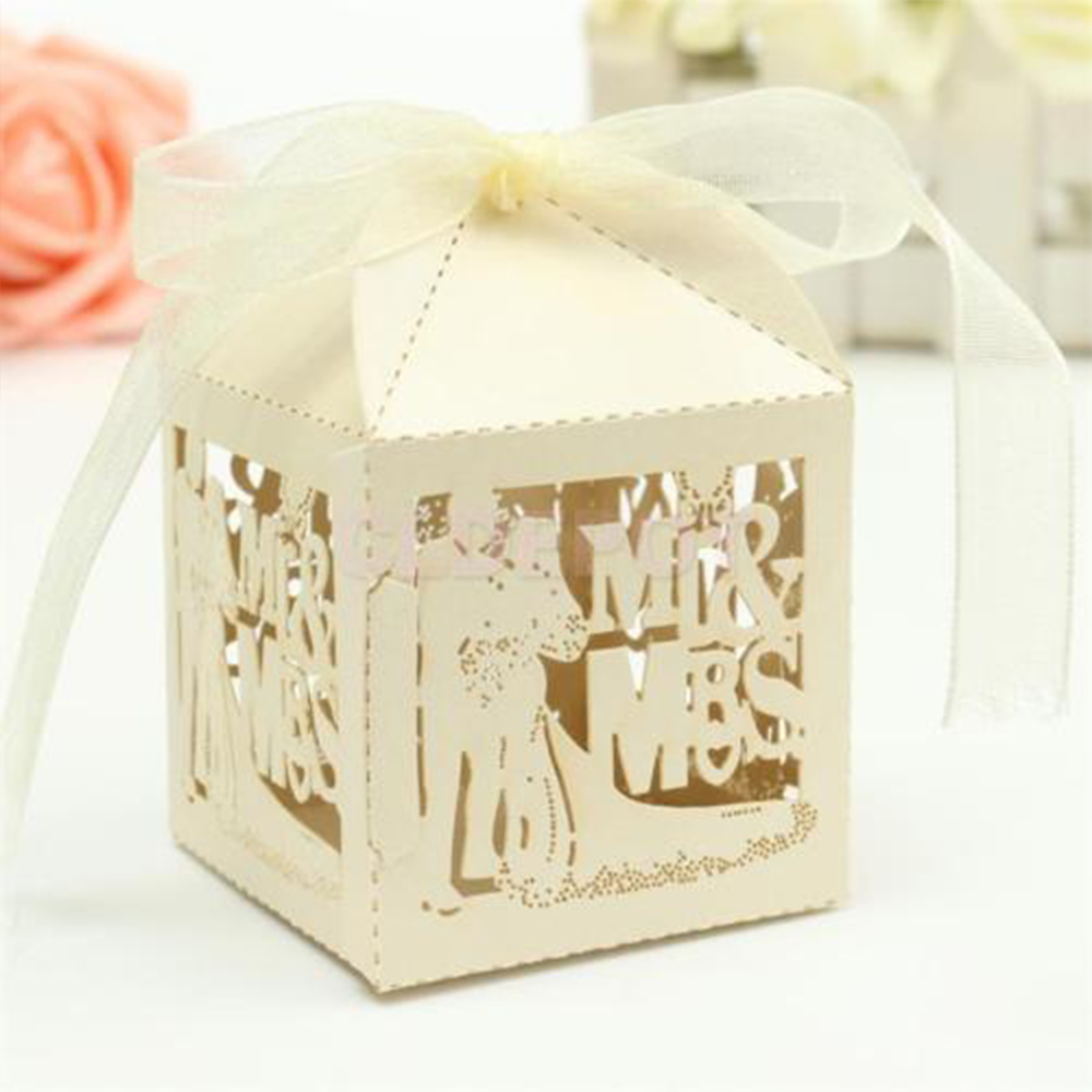 Mr and Mrs Wedding Favour Boxes x 25